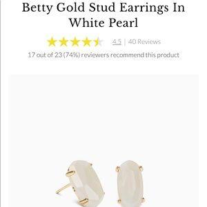 Kendra Scott Gold Stud earrings in white pearl NWT